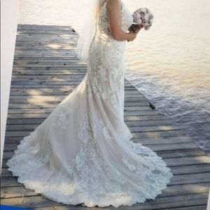 Wedding Dress! Size 20 but altered to fit a 14